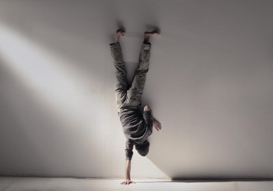 István Téglás-Dance a playful body - foto Dani Ionita
